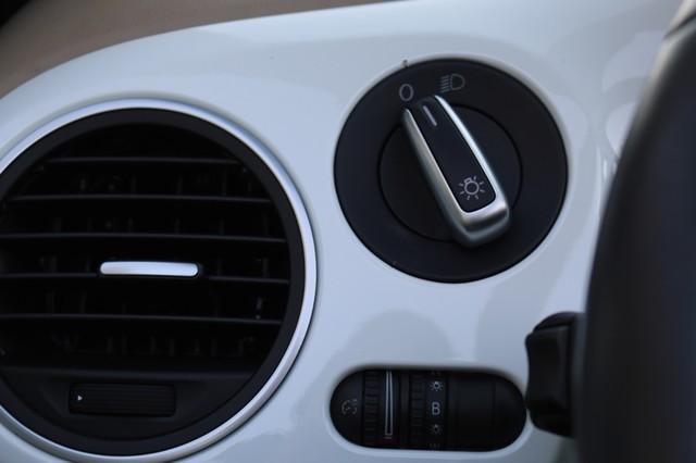 2015 Volkswagen Beetle Convertible 1.8T Mooresville, North Carolina 31