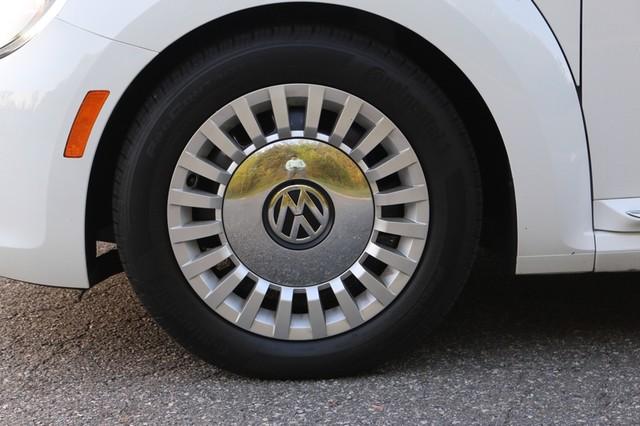 2015 Volkswagen Beetle Convertible 1.8T Mooresville, North Carolina 49