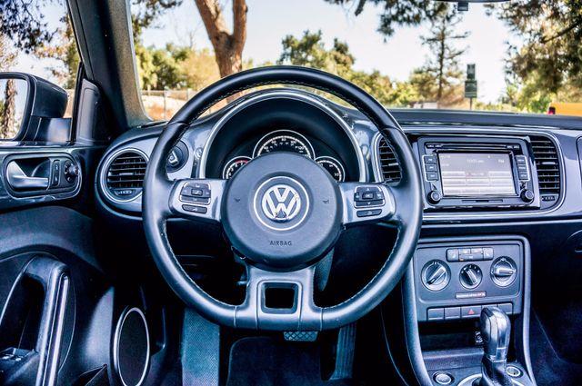2015 Volkswagen Beetle Convertible 1.8T w/Tech - AUTO - 26K MILES - HTD STS Reseda, CA 18
