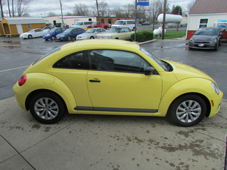 2015 Volkswagen Beetle Coupe 1.8T Classic Fremont, Ohio 2