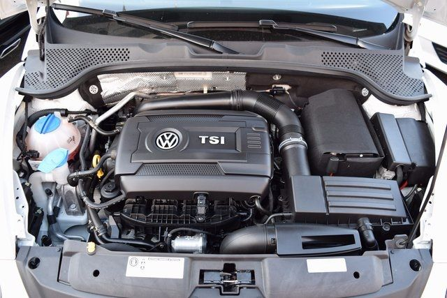 2015 Volkswagen Beetle Coupe 1.8T Classic Richmond Hill, New York 4