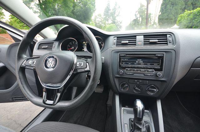 2015 Volkswagen Jetta 2.0L S Reseda, CA 26