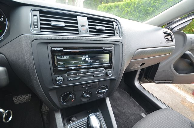 2015 Volkswagen Jetta 2.0L S Reseda, CA 11