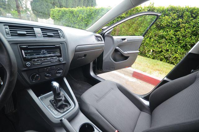 2015 Volkswagen Jetta 2.0L S Reseda, CA 27
