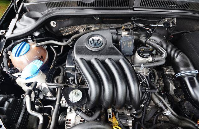 2015 Volkswagen Jetta 2.0L S Reseda, CA 29