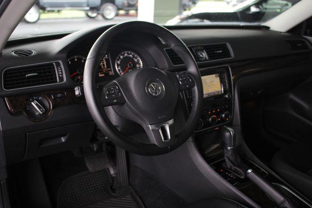 2015 Volkswagen Passat 3.6L V6 SEL Premium - NAVIGATION - SUNROOF! Mooresville , NC 29