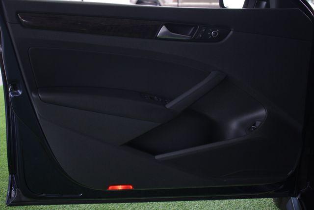 2015 Volkswagen Passat 3.6L V6 SEL Premium - NAVIGATION - SUNROOF! Mooresville , NC 35