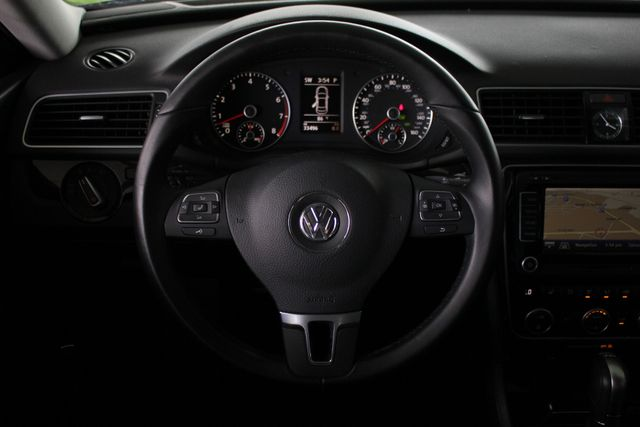 2015 Volkswagen Passat 3.6L V6 SEL Premium - NAVIGATION - SUNROOF! Mooresville , NC 5