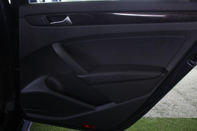 2015 Volkswagen Passat 3.6L V6 SEL Premium - NAVIGATION - SUNROOF! Mooresville , NC 37