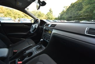 2015 Volkswagen Passat 1.8T S Naugatuck, Connecticut 9