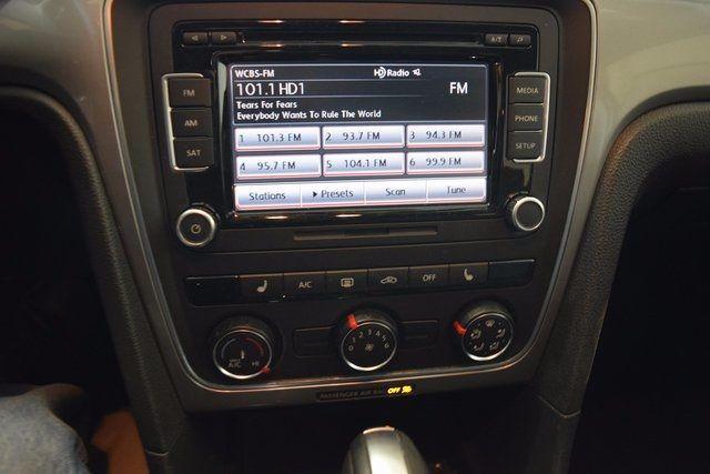 2015 Volkswagen Passat 1.8T Limited Edition Richmond Hill, New York 13