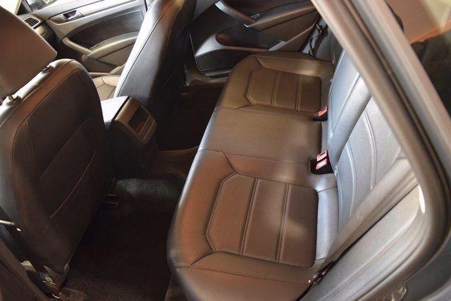 2015 Volkswagen Passat 1.8T Limited Edition Richmond Hill, New York 8