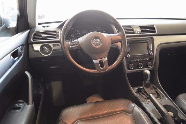 2015 Volkswagen Passat 1.8T Limited Edition Richmond Hill, New York 9