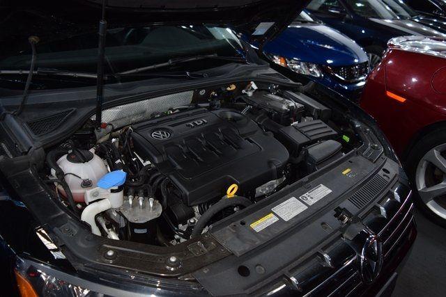 2015 Volkswagen Passat 2.0L TDI SEL Premium Richmond Hill, New York 11