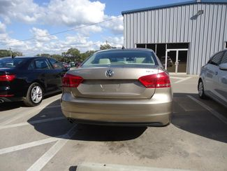 2015 Volkswagen Passat 1.8T SE LEATHER. BACKUP CAMERA. HEATED SEATS SEFFNER, Florida 11