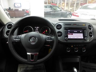 2015 Volkswagen Tiguan S  W/BACK UP CAM Chicago, Illinois 12
