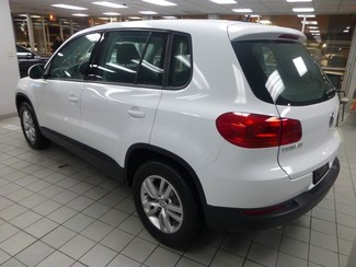 2015 Volkswagen Tiguan S  W/BACK UP CAM Chicago, Illinois 3