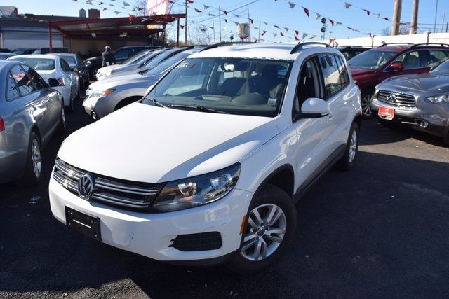 2015 Volkswagen Tiguan S Richmond Hill, New York 1