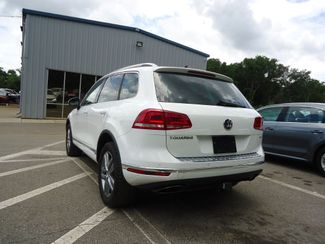 2015 Volkswagen Touareg Lux SEFFNER, Florida 13