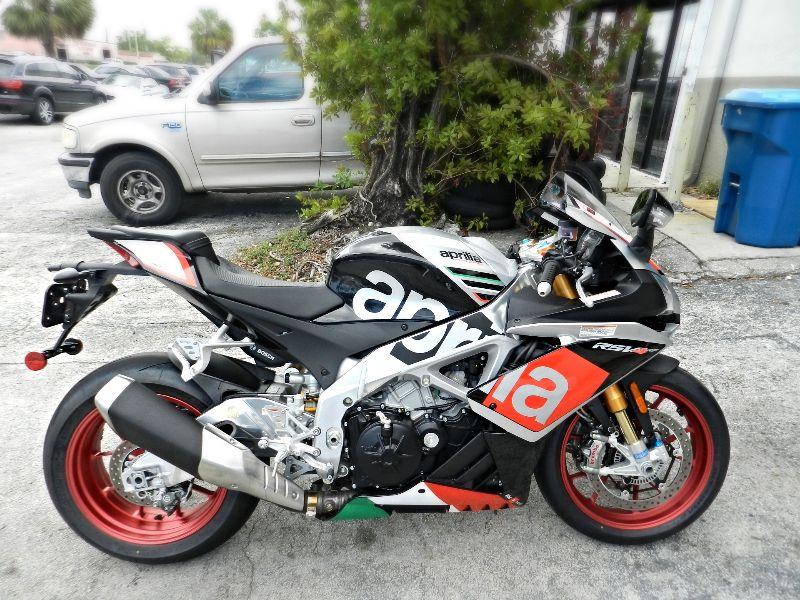 2016 Aprilia RSV4 RF RSV4RF LIKE NEW SAVE   city Florida  MC Cycles  in Hollywood, Florida