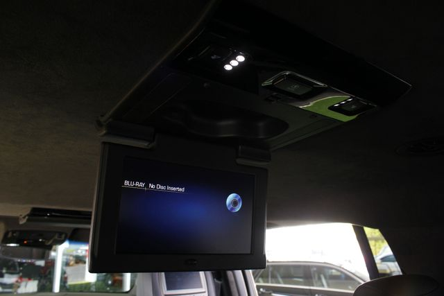 2016 Cadillac Escalade ESV Platinum Edition 4X4 - MSRP $100,235 - NEW TIRES! Mooresville , NC 29