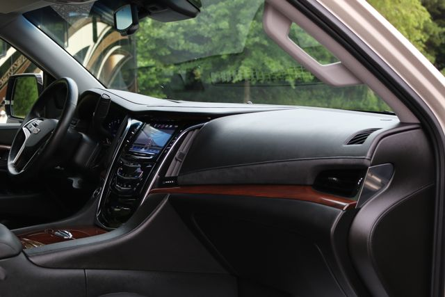 2016 Cadillac Escalade 4x4 Luxury Collection Mooresville, North Carolina 29