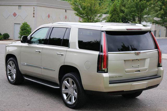 2016 Cadillac Escalade 4x4 Luxury Collection Mooresville, North Carolina 3