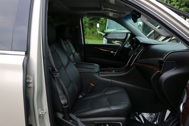 2016 Cadillac Escalade 4x4 Luxury Collection Mooresville, North Carolina 31