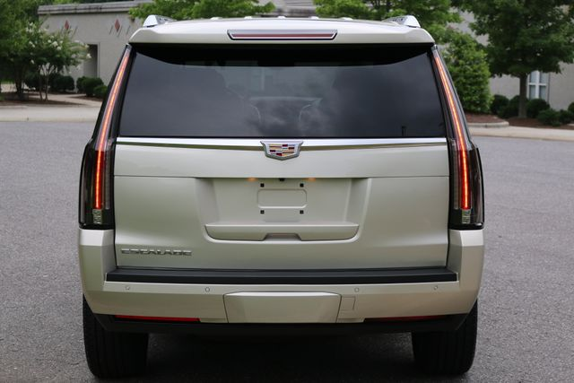 2016 Cadillac Escalade 4x4 Luxury Collection Mooresville, North Carolina 4