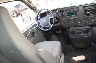 2016 Chevrolet 12 Pass LT Charlotte, North Carolina 14
