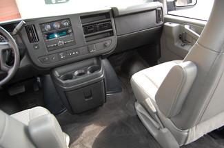 2016 Chevrolet 12 Pass. LT Charlotte, North Carolina 16