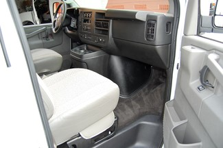 2016 Chevrolet 12 Pass. LT Charlotte, North Carolina 6