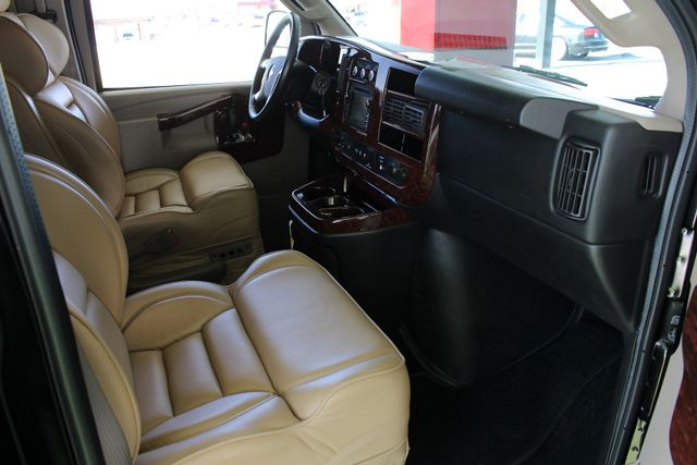2016 Chevrolet Express Van 2500 SHERROD HIGH TOP CONVERSION VAN Mooresville , NC 34