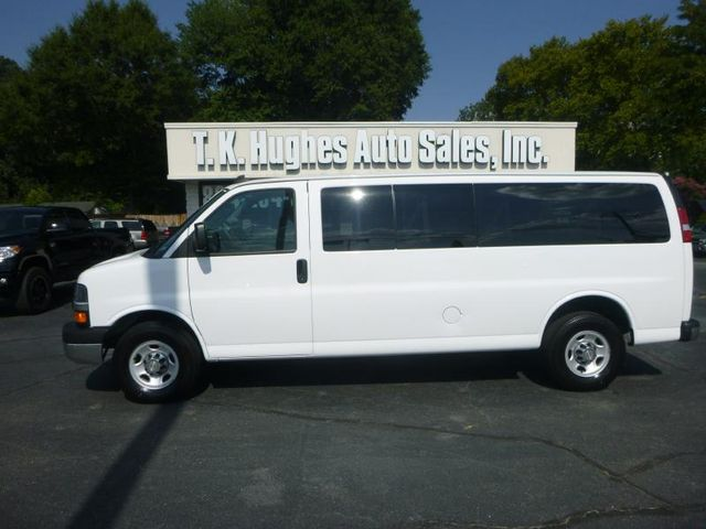 2016 Chevrolet Express Passenger LT Richmond, Virginia 0