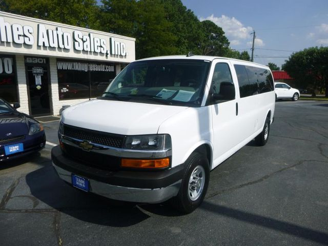 2016 Chevrolet Express Passenger LT Richmond, Virginia 1
