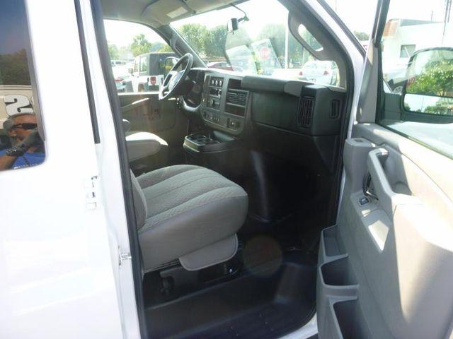 2016 Chevrolet Express Passenger LT Richmond, Virginia 3