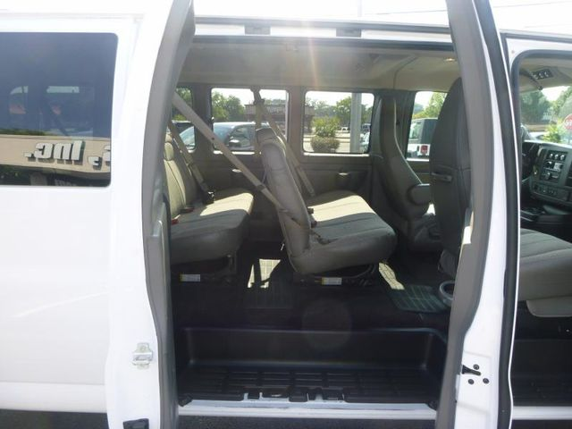 2016 Chevrolet Express Passenger LT Richmond, Virginia 4