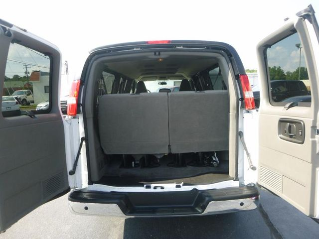 2016 Chevrolet Express Passenger LT Richmond, Virginia 8