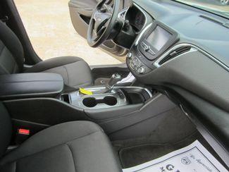 2016 Chevrolet Malibu LT Houston, Mississippi 8