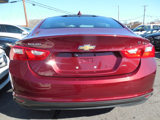 2016 Chevrolet Malibu LT Leesburg, Virginia 5
