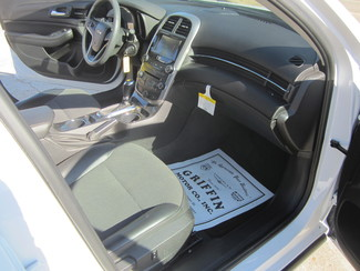 2016 Chevrolet Malibu Limited LT Houston, Mississippi 8
