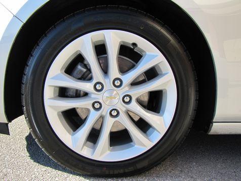 2016 Chevrolet Malibu LT | Louisville, Kentucky | iDrive Financial in Louisville, Kentucky