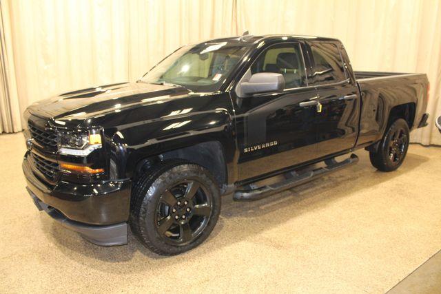 2016 Chevrolet Silverado 1500 Custom Roscoe, Illinois 2