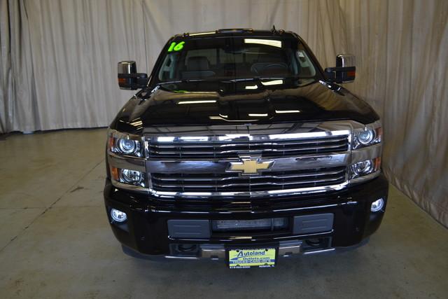 2016 Chevrolet Silverado 2500HD High Country Roscoe, Illinois 3