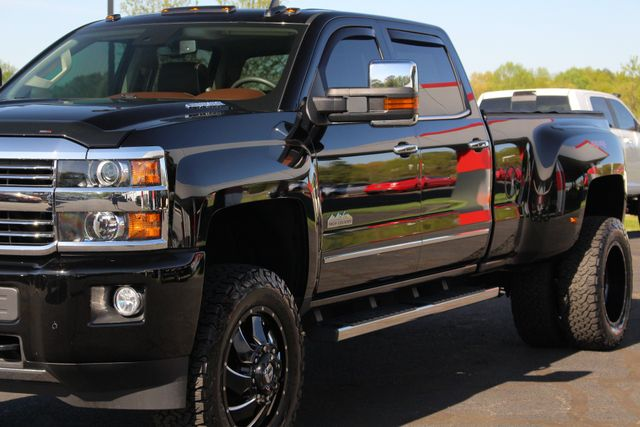 2016 Chevrolet Silverado 3500HD High Country Crew Cab 4x4 - LIFTED - DRIVER ALERT! Mooresville , NC 29