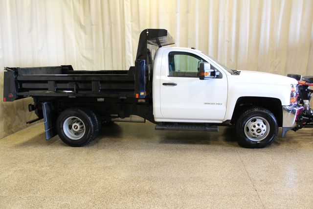 2016 Chevrolet Silverado 3500HD Dump with plow Roscoe, Illinois 1