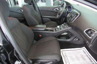 2016 Chrysler 200 Limited W/ BACK UP CAM Chicago, Illinois 9