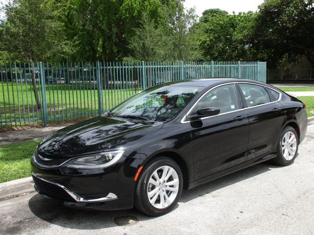 2016 Chrysler 200 Limited Come and visit us at oceanautosalescom for our expanded inventoryThis