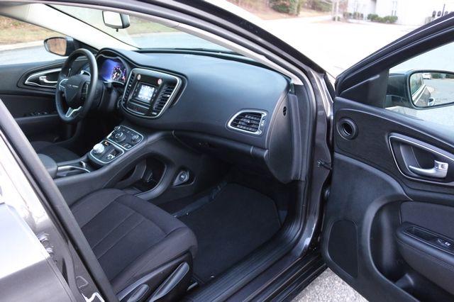 2016 Chrysler 200 Limited Mooresville, North Carolina 16