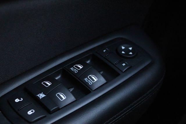 2016 Chrysler 200 Limited Mooresville, North Carolina 26